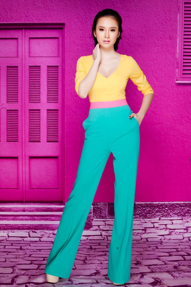 Phương Trinh có vẻ rất hợp với những màu sắc nổi bật, nhìn cô thật mới lạ và quyến rũ.