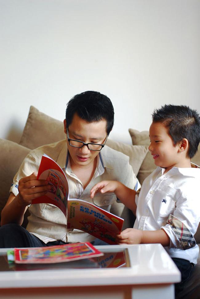 Trần Hoàng Minh con trai của ca sĩ, nhạc sĩ'Chuyện chàng cô đơn'- thành viên ban nhạc nổi danh một thời AC&M giờ đã được 5 tuổi.