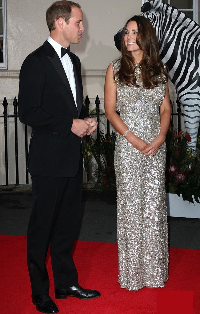 Bởi 'Hoàng tử nhí' chưa được đầy 2 tháng mà Kate đã lấy lại được vóc dáng như những ngày còn son.