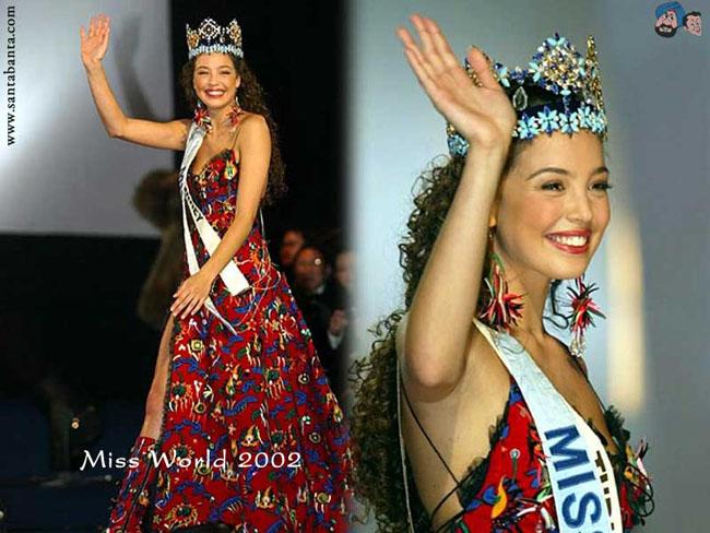 Năm 2002, người đẹp Azra Akın đến từ Thổ Nhĩ Kỳ đăng quang trong sự ngỡ ngàng của nhiều người. Cô sở hữu vẻ đẹp thánh thiện, dịu hiền nhưng nhiều ý kiến cho rằng Azra thiếu đi nét rực rỡ tỏa sáng cần thiết của Miss World