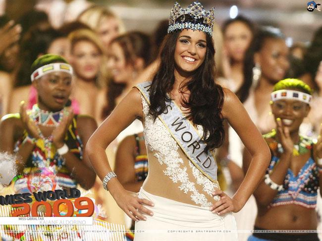 Miss World 2009 Kaiane Aldorino đẹp dịu dàng. Cô sở hữu mái tóc hạt dẻ mềm mại, nước da nâu khỏe khoắn. Nhưng so với các thí sinh cùng năm, Kaiane Aldorino không cho thấy sự vượt trội về ngoại hình.