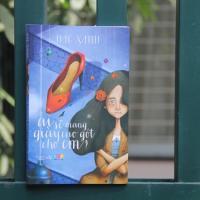 Sách hay: Ai sẽ mang giày cao gót cho em
