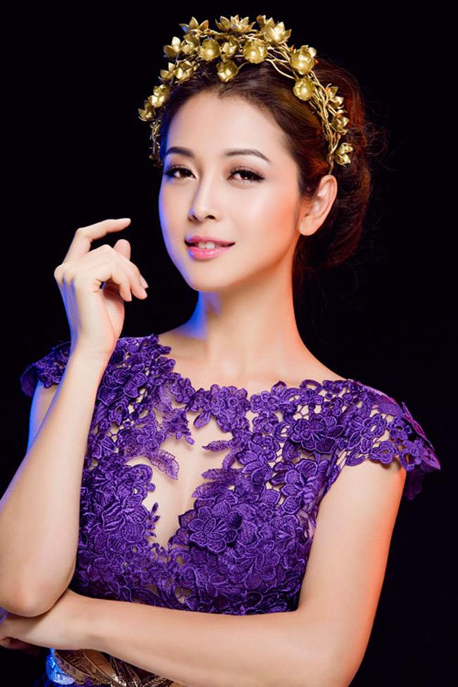 Một vẻ đẹp không thể chối cãi của người đẹp khi chỉ cần đổ tone trang điểm.