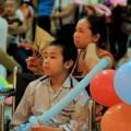 Xót xa cảnh trẻ đón trung thu trong bệnh viện