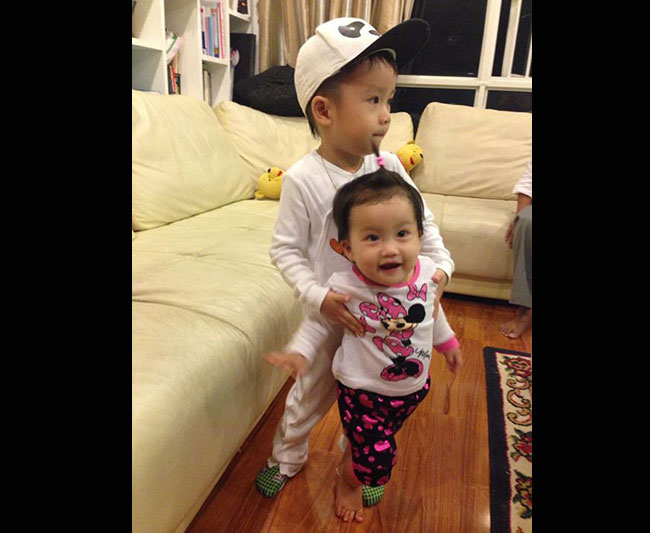 Hai bé Coca - Cola nhà Ốc Thanh Vân, Trí Rùa vẫn khiến nhiều người yêu quí và hâm mộ bởi sử hữu vẻ bề ngoài rất xinh xắn kháu khỉnh.