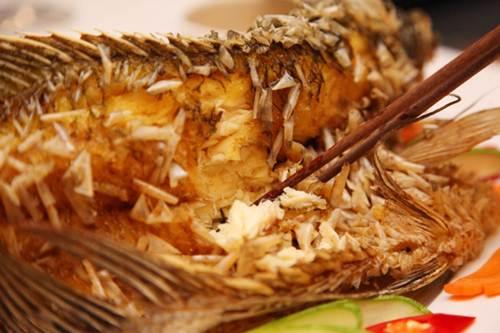 Cá tai tượng thịt dai, thơm, rất lý tưởng cho món cuốn bánh tráng (Ảnh: Internet)