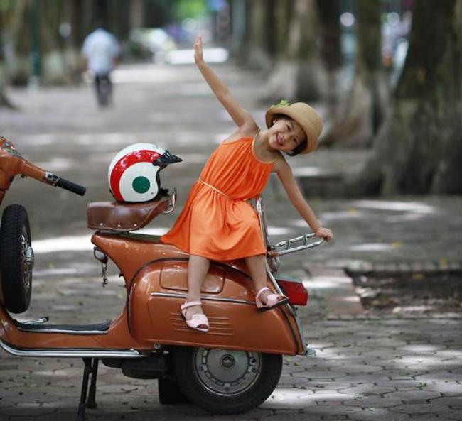 Con tên là Nguyễn Bảo Hân ở Thụy Khuê, Tây Hồ, Hà Nội. Xin giới thiệu với cả nhà đây là bộ ảnh mới nhất của con.