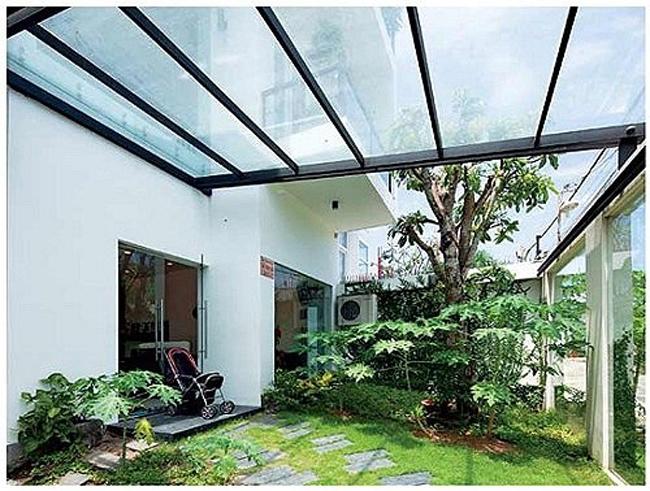 Theo chia sẻ của KTS phụ trách việc xây dựng ngôi nhà thì căn nhà hoàn thành sau chín tháng triển khai kỹ thuật và cũng chừng ấy thời gian để xây dựng.