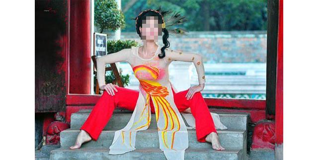 Nữ sinh Việt mất đi vẻ đẹp dịu dàng, e ấp.