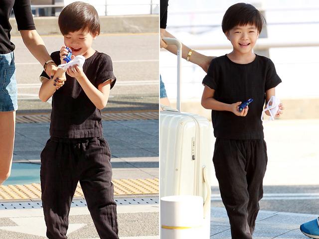 Ngắm cậu con trai kháu khỉnh của Kwon Sang Woo