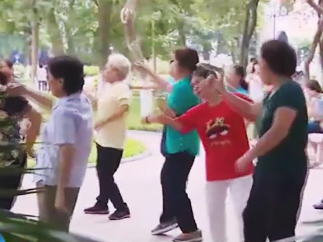 Ấn tượng những cụ già U80 nhảy hip-hop ở Việt Nam