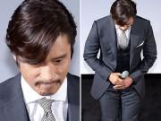 Lee Byung Hun già nua để ria mép đi họp báo