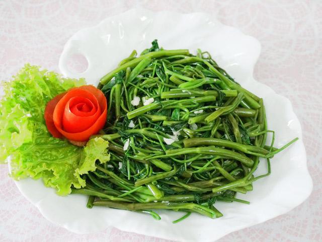 Cách làm rau muống xào tỏi giòn ngon