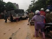 Quảng Ninh: Mưa lớn gây sạt lở tại quốc lộ 18