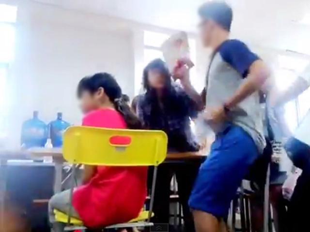 Clip sốc: Cô giáo xưng mày tao và chửi học viên