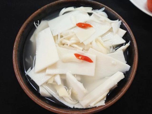 Tự làm măng muối chua đơn giản, không bị màng