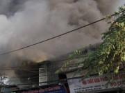 Tin tức - Hà Nội: Cháy lớn ở xưởng gỗ khu vực hồ Đền Lừ