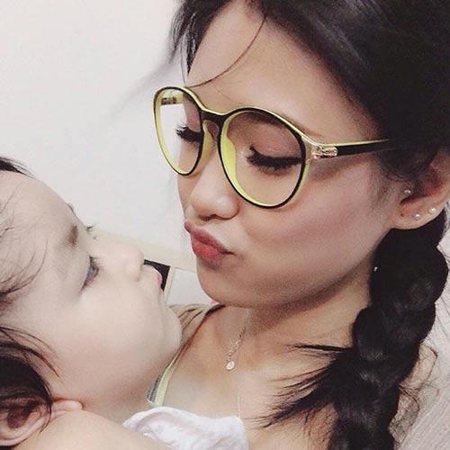 hotgirl 9x lam single mom: 'la phu nu hay nghi thoang len' -