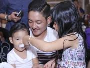 Làng sao - Con gái Bình Minh chăm sóc con trai Diệp Bảo Ngọc