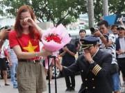 Eva Yêu - Màn cầu hôn khiến nữ tiếp viên hàng không rớt nước mắt