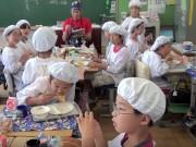 Làm mẹ - Giờ ăn trưa tại trường tiểu học Nhật khiến thế giới sững sờ