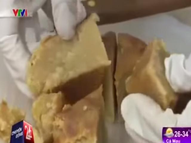 Kinh hoàng quy trình sản xuất bánh trung thu siêu bẩn