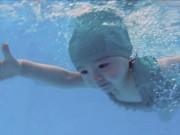 Làm mẹ - Dân mạng xôn xao với khả năng bơi cực giỏi của con gái Elly Trần