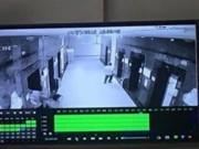 Tin tức - Hà Nội: Cô gái trẻ bị xịt hơi cay, cướp tài sản trong thang máy