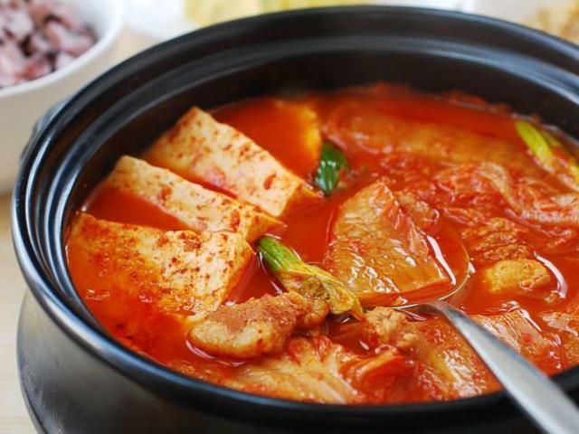 Cách nấu canh kim chi siêu ngon đúng chất Hàn Quốc