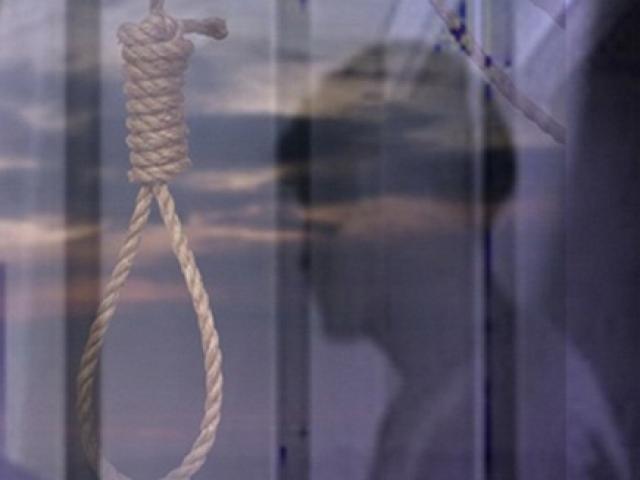 Cãi nhau với vợ, chồng treo cổ tự tử trong phòng ngủ