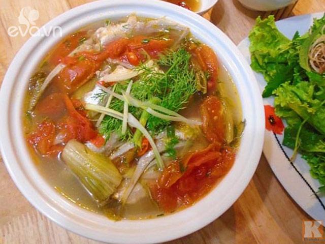 Dân dã mà ngon với món canh cá vụn nấu dưa chua
