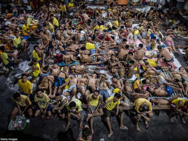 Những hình ảnh khủng khiếp bên trong nhà tù khét tiếng bậc nhất Philippines