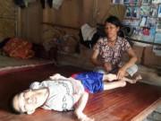 Tin tức - Xót thương người mẹ nghèo 27 năm nuôi con tật nguyền trong nhà lá