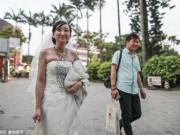 Con đường giải thoát gian nan của những người phụ nữ lấy nhầm chồng đồng tính