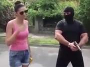 Clip Eva - Video: Màn cầu hôn kinh hãi nhất thế giới khiến dân mạng sốc