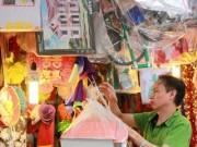Người Hà Nội nhộn nhịp sắm đồ lễ cúng Rằm tháng 7