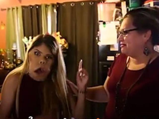 Cô bé dị tật trở thành Vlogger trang điểm nổi tiếng
