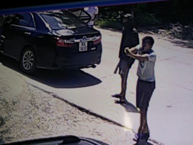 Táo tợn nổ súng, mang kiếm truy sát 1 gia đình giữa ban ngày