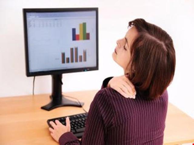 Đau vai gáy: Triệu chứng và cách phòng tránh
