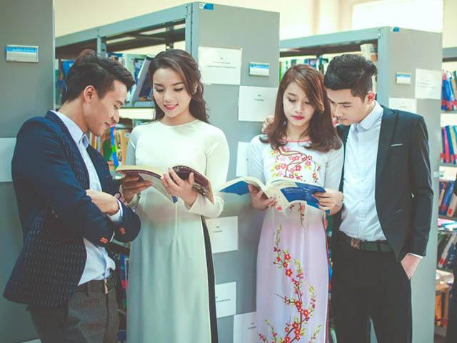 Lò đào tạo hoa hậu mát tay tại trường Đại học Ngoại thương