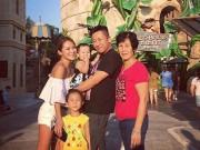 Làng sao - Vợ tỷ phú sòng bài Alvin Chau cùng con riêng của chồng đi du lịch Singapore