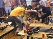 Tin tức - Hai cô gái đánh nhau vì bị 'nhìn đểu' trong quán mì cay ở Hà Nội