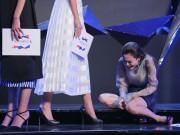Vietnam ' s Next Top Model: Fung La khóc vật vã khi Thùy Trâm bị loại