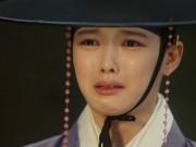 Mây họa ánh trăng tập 11: Kim Yoo Jung khóc nức nở khi tái ngộ mẹ ruột