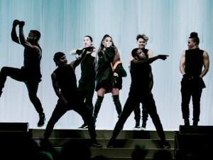 """Tiết lộ """"bão vé"""" bất ngờ cho người hâm mộ Ariana Grande từ nhãn xe máy Yamaha Grande"""