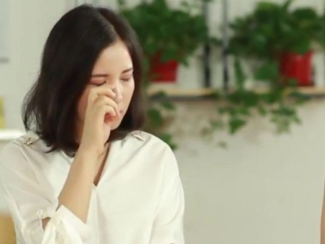 """Gửi cô giáo khóc lóc vì clip """"phát âm sai"""": Nước mắt yếu đuối không thể khỏa lấp được sự thật"""