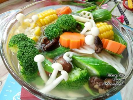 Vào bếp nấu bát canh nấm ngọt thanh ăn chay ngày Vu Lan