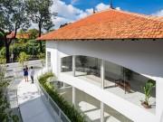 """Nhà đẹp - Nhà 70 tuổi ở Sài Gòn được """"hô biến"""" thành dinh thự hiện đại đẹp miễn chê"""