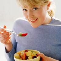 Sau sinh mổ có cần ăn kiêng?