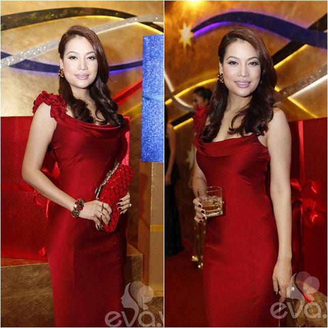 Nữ diễn viên Trương Ngọc Ánh sinh năm 1976 là một diễn viên không chỉ sở hữu gương mặt đẹp mà còn vóc dáng chuẩn.